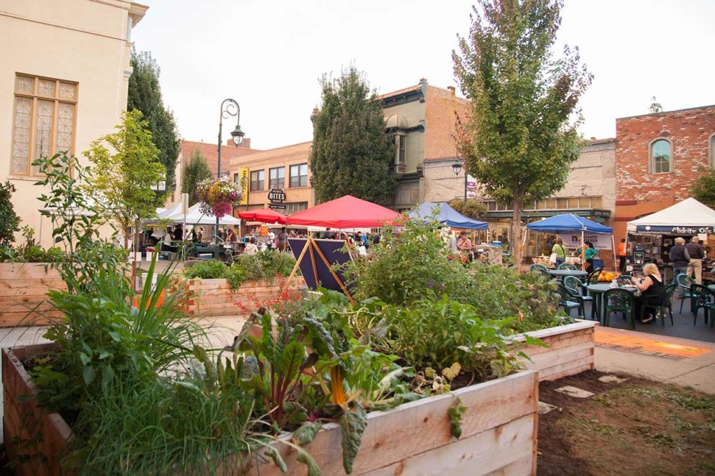 Forest Grove Farmers Market in the Tualatin Valley