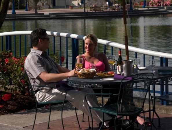 Hayden's Lakefront Grill in Tualatin, Oregon