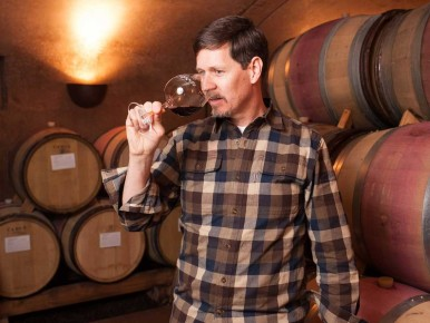 Tom Fitzpatrick of Alloro Vineyard in Sherwood, Oregon
