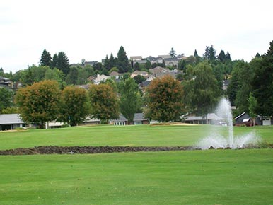 A golf course in King City, Oregon – Things to do in the Tualatin Valley