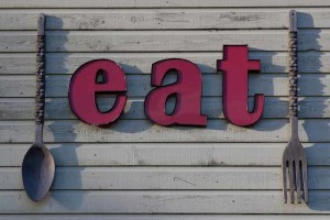 """A fun """"eat"""" sign on the South Store Cafe in Scholls – Tualatin Valley – Oregon restaurants"""