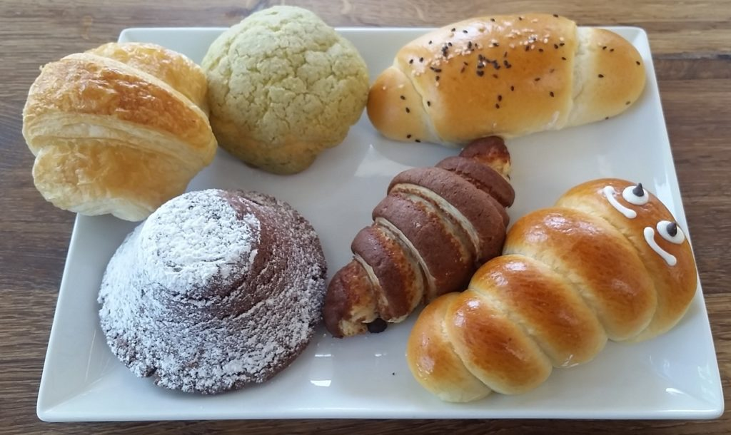 pastries from Oyatsupan Bakers
