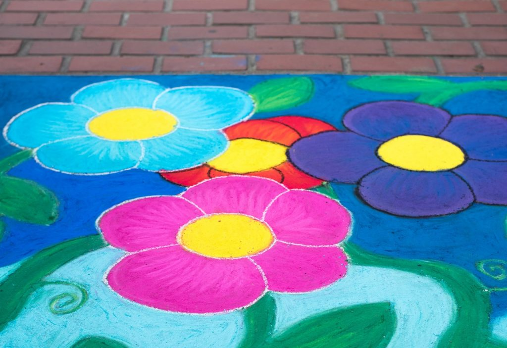 Sidewalk Chalk art in Oregon's Tualatin Valley, family fun, art walks
