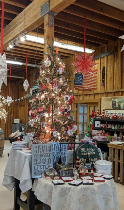 lee farms market Christmas