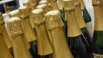 Celebrate with Oregon Bubbly