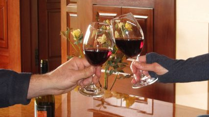 garden vineyards cheers 2 web