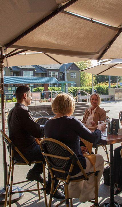 LA-Provence-outdoor-patio-group-JS web V