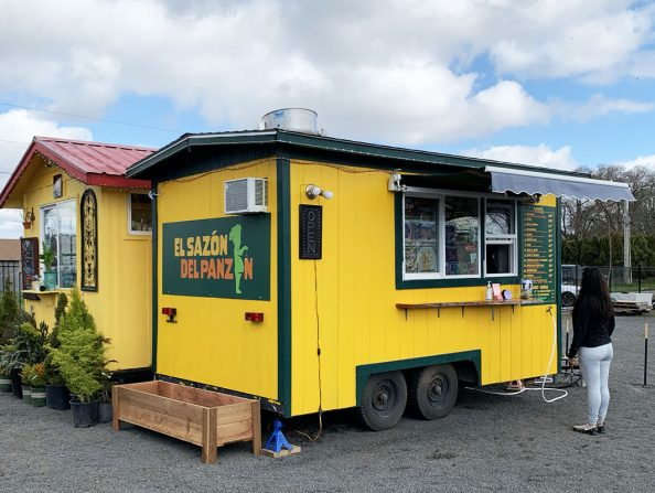 IMG_5181Food carts at Zesti Food Carts in Forest Grove CW