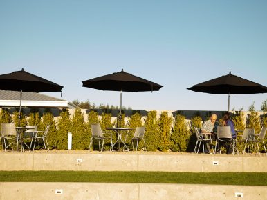 Ponzi Vineyards Patio outoor dining